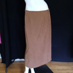 🌟BRIGGS NEW YORK SUEDE FEEL MIDI SKIRT🌟CLEARANCE